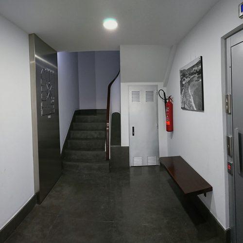 Portal en Edif. Viviendas 06